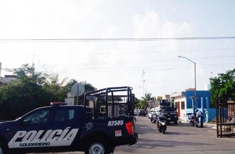 Catean casa en colonia de Playa del Carmen; aseguran armas y detienen a 8 sujetos