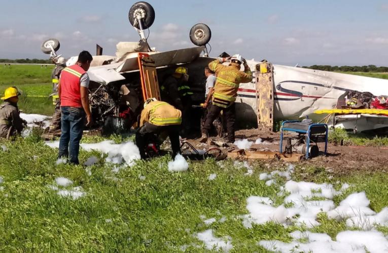 Se desploma avioneta en aeropuerto de Durango; un muerto