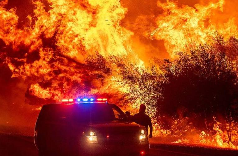 VIDEO: Arde el oeste de Estados Unidos; responsabilizan a firma eléctrica de California
