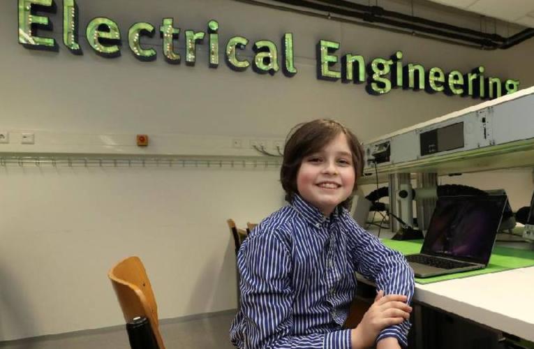 Niño superdotado de 11 años termina la carrera de Física