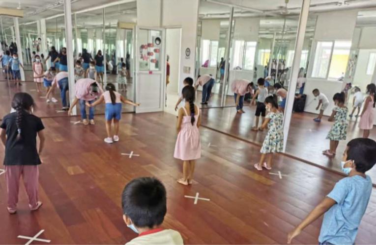Imparten talleres de verano en Centros Comunitarios de Playa del Carmen