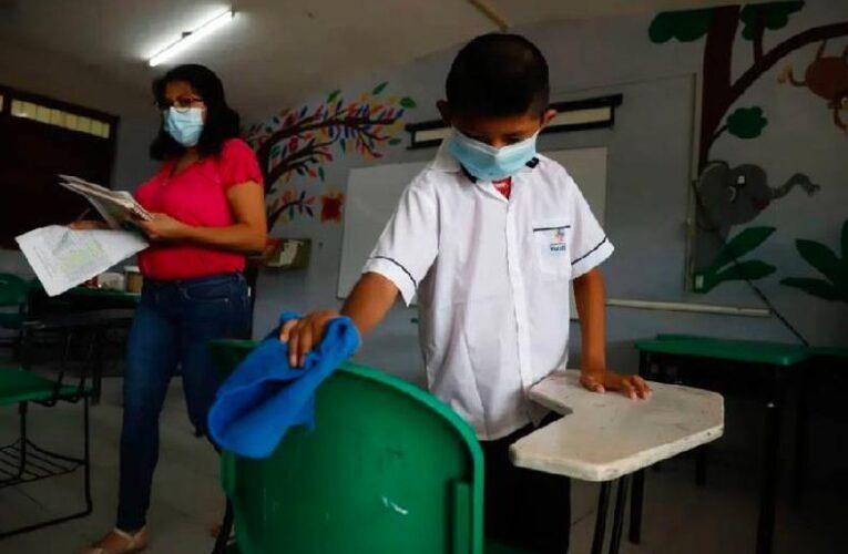 Escuelas presenciales operan aún 90% en Yucatán