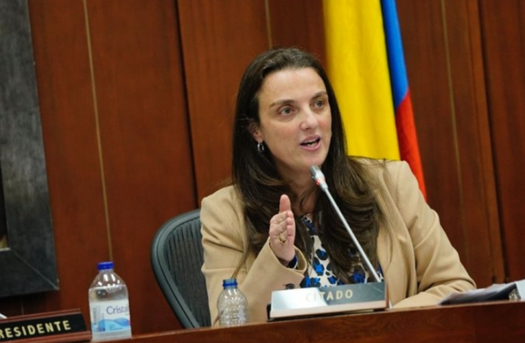 Dimite ministra colombiana de Comunicaciones por denuncias de corrupción