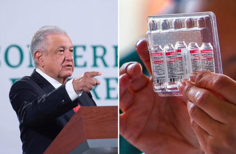 """Presidente de México acusa a la OMS de """"desidia"""" en aprobación de vacunas"""