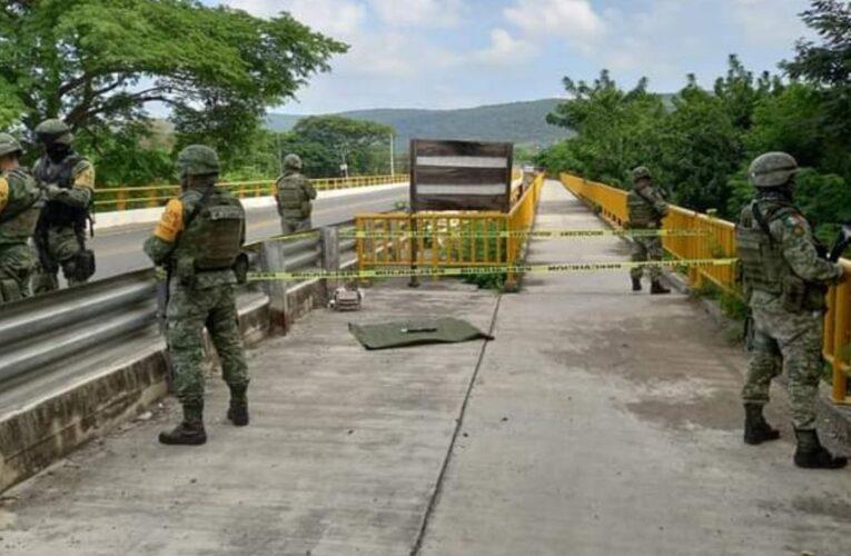 FGR decomisa arsenal sobre la carretera Panamericana